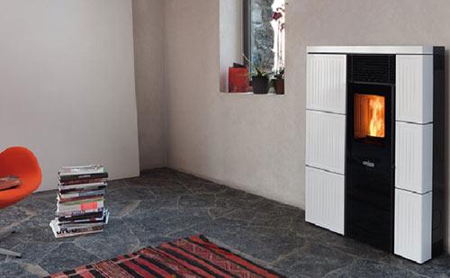 Stufa a Pellet 8 kw Canalizzata Ravelli modello Olivia ceramica